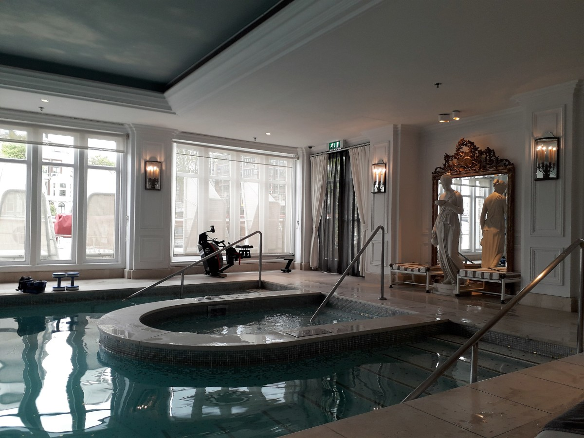 The jacuzzi with rowing machine behind.