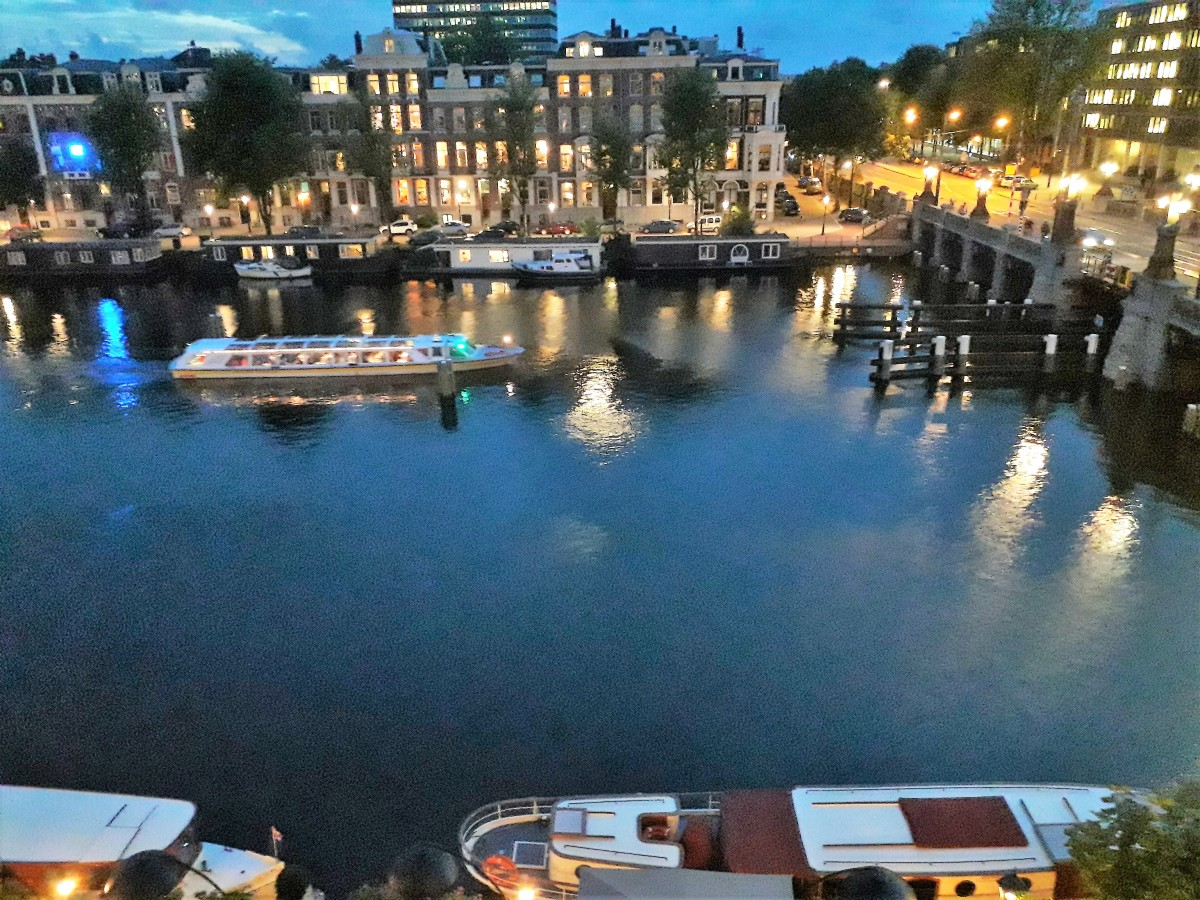 The River Amstel at night.