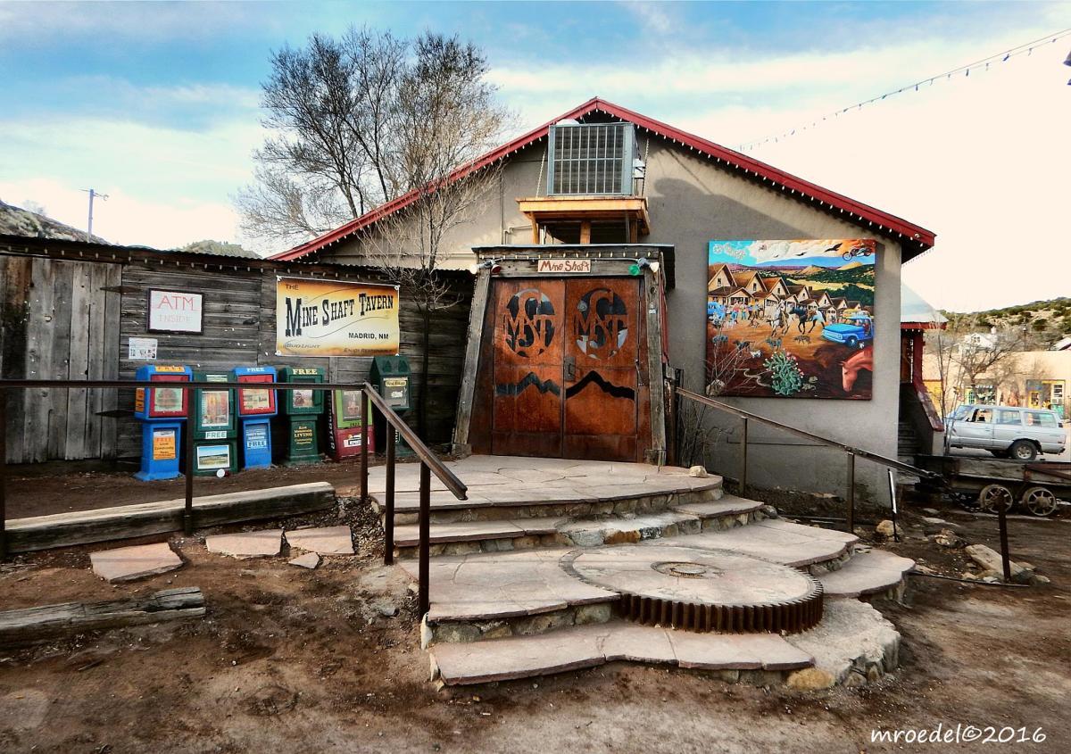 Entrance to Mine Shaft Tavern