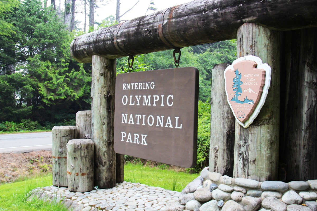 Olympic National Park entrance sign @ Olympic National Park