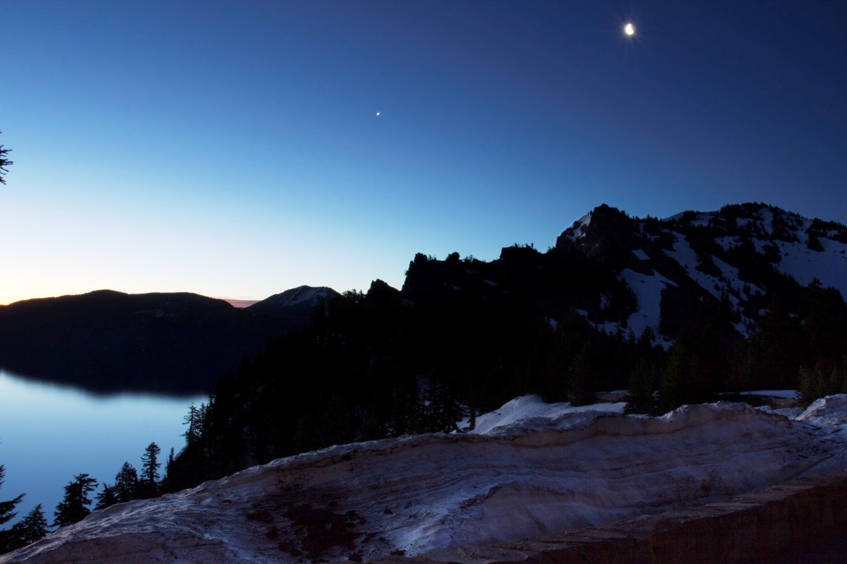 Crater Lake National Park at night