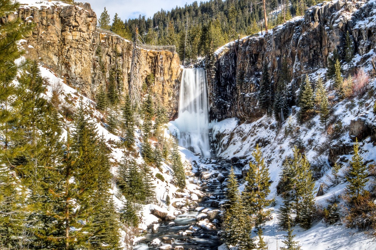 Tumalo Falls in winter from the viewpoint by the parking area.