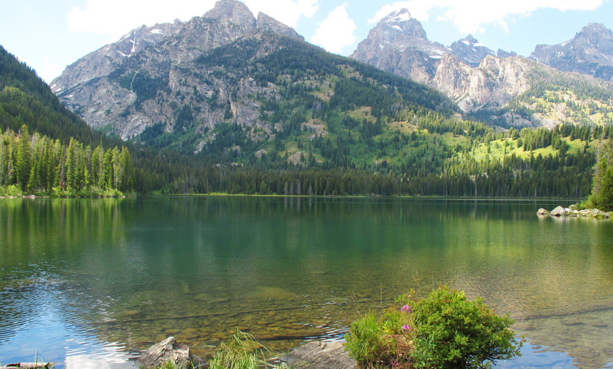 Taggart Lake in Grand Teton National Park, Wyoming