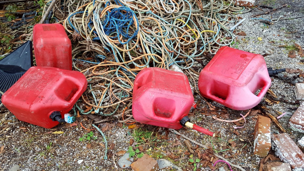 Ropes and empty containers