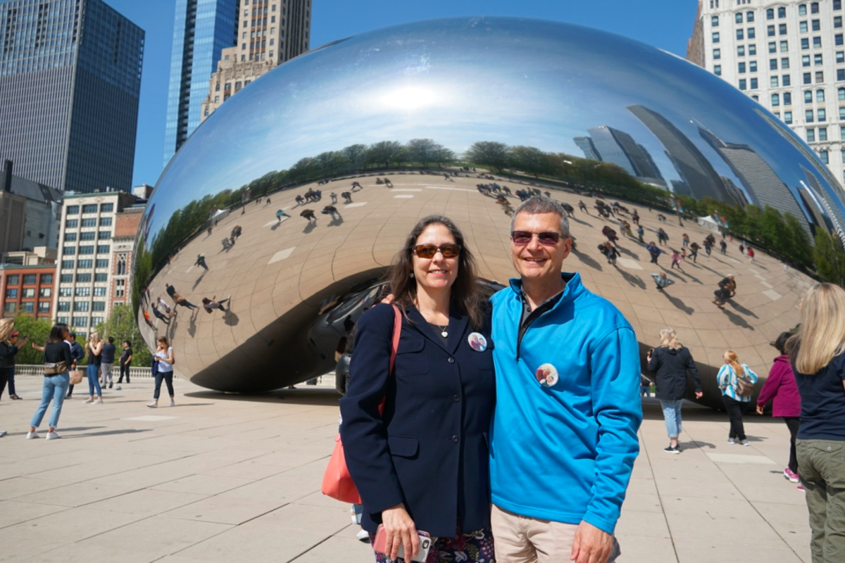 visiting-cloud-gate-chicagos-iconic-bean