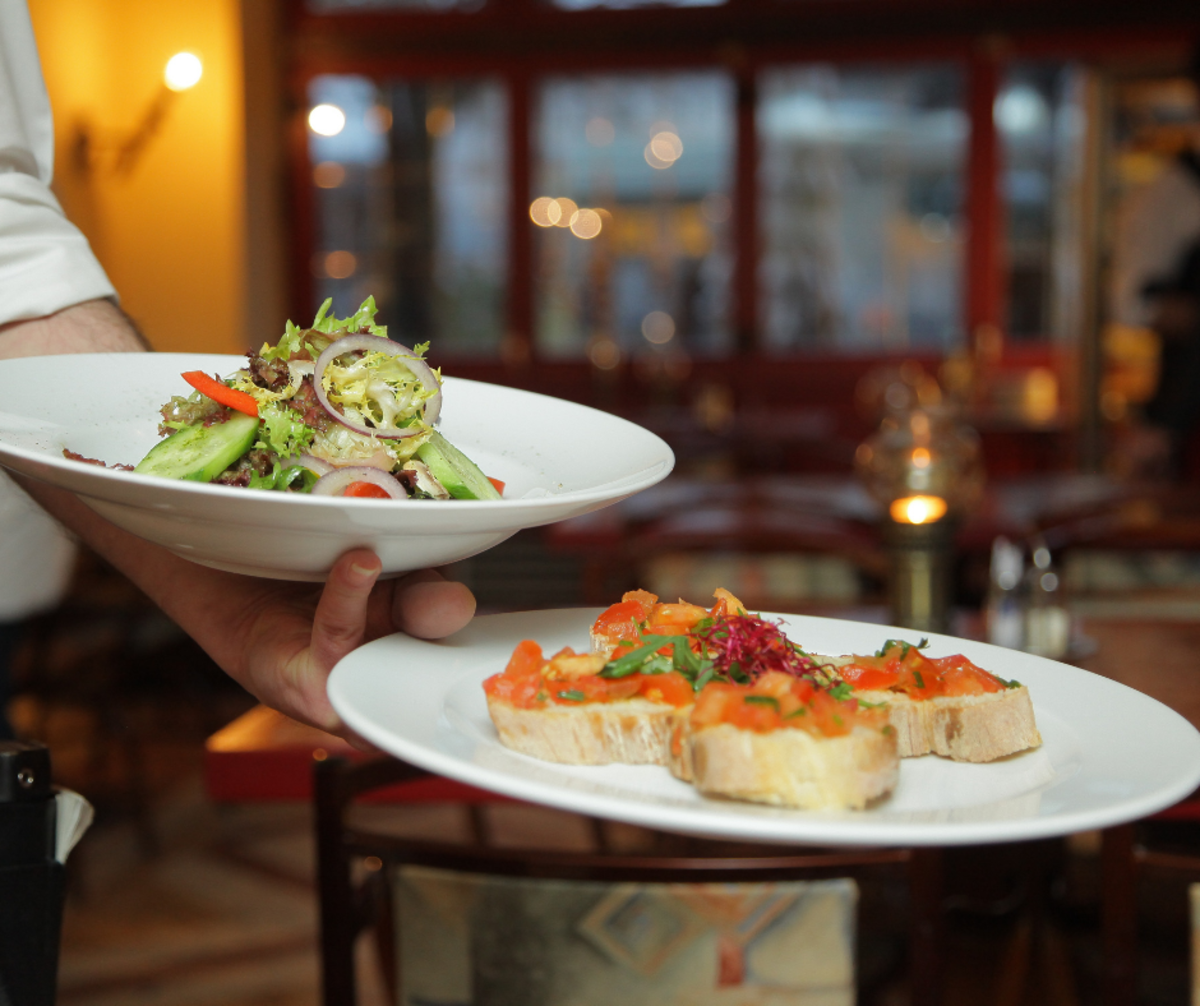 Premium dining on cruises can take a big bite out of your trip budget!