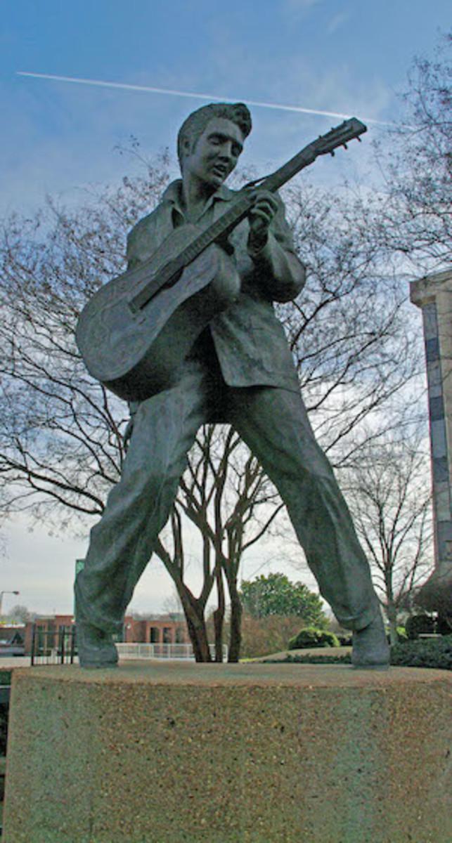 Elvis Statue on Beale Street, Memphis, Tennessee