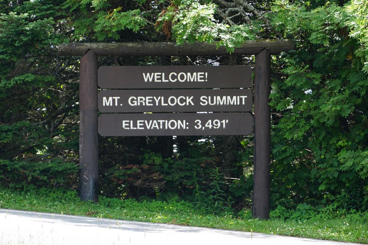 visiting-mount-greylock-highest-point-in-massachusetts