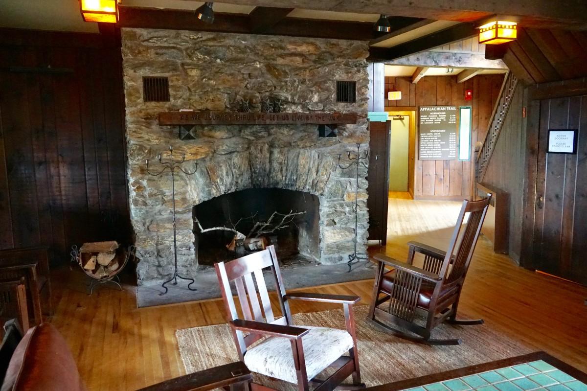 The cozy Bascom Lodge