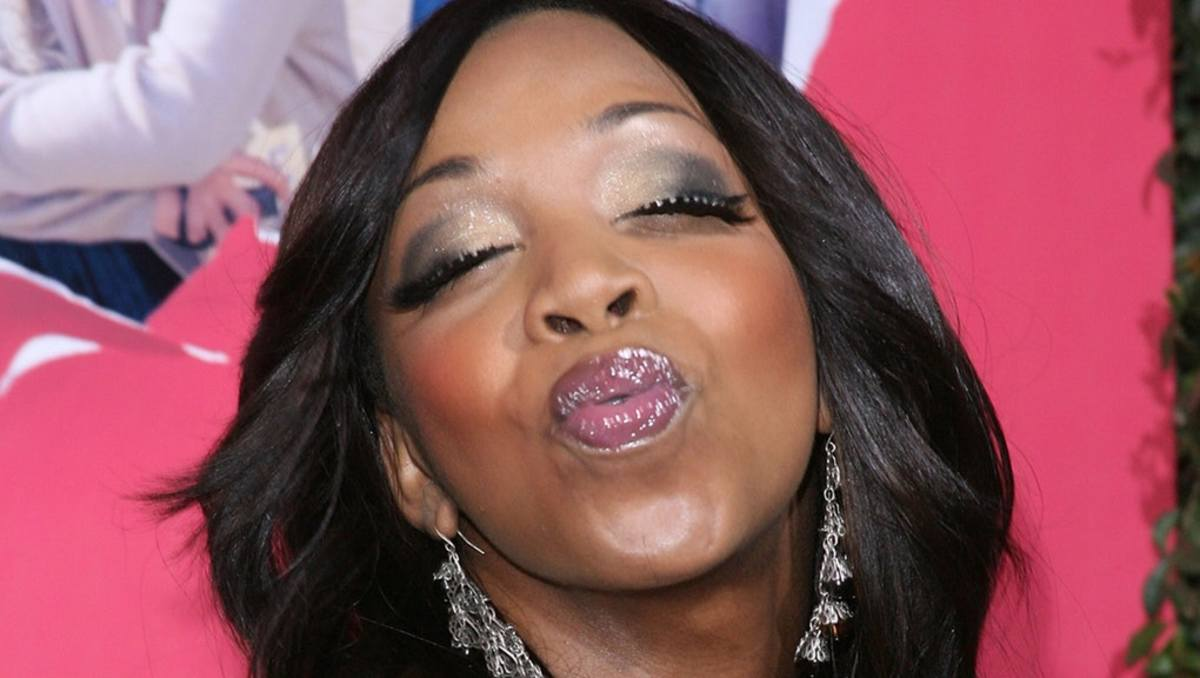 Tiffany Pollard (New York) blows Flav a Kiss (Talk about Unrequited Love...)
