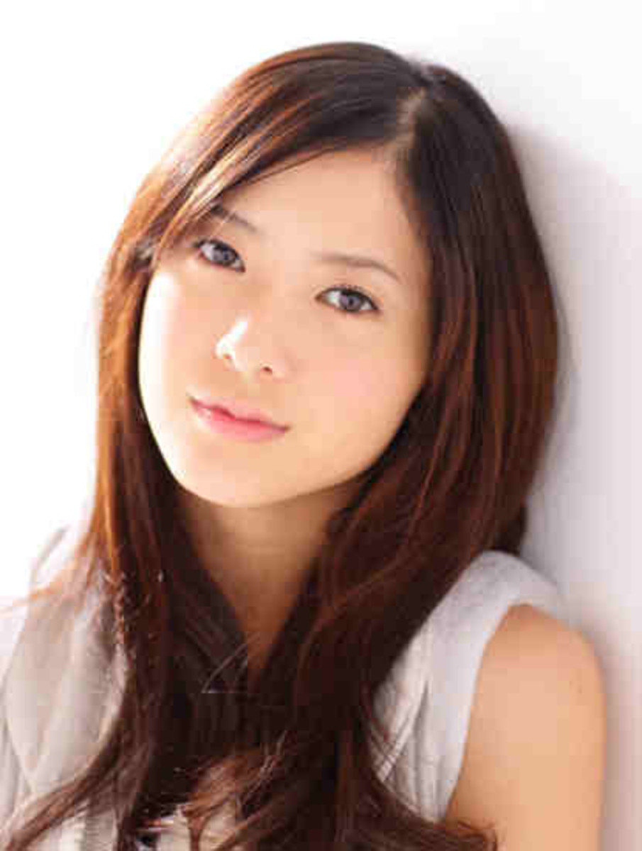 Top 10 Most Beautiful Celebrities In Japan 2012 | TheRichest