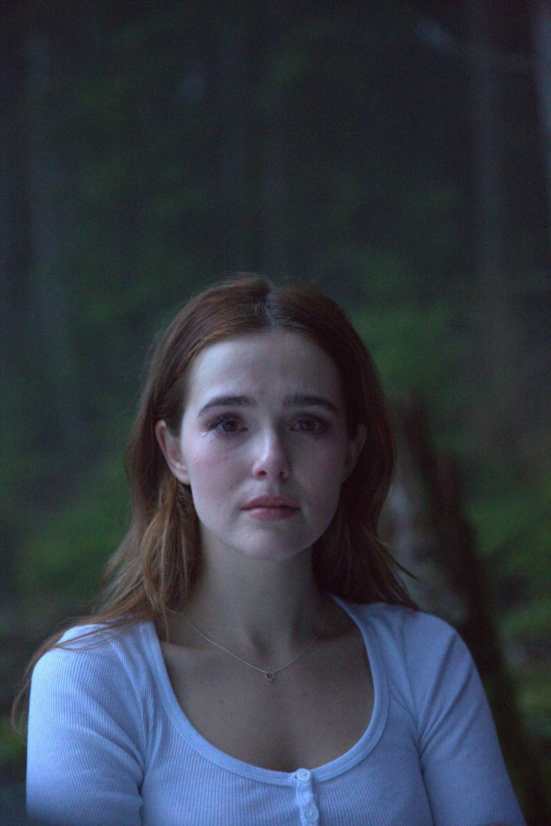 "Zoey Deutch's complete name is Zoey Francis Tompson Deutch. She is best known for the role of Rosemarie ""Rose"" Hathaway in the 2014 film, Vampire Academy."