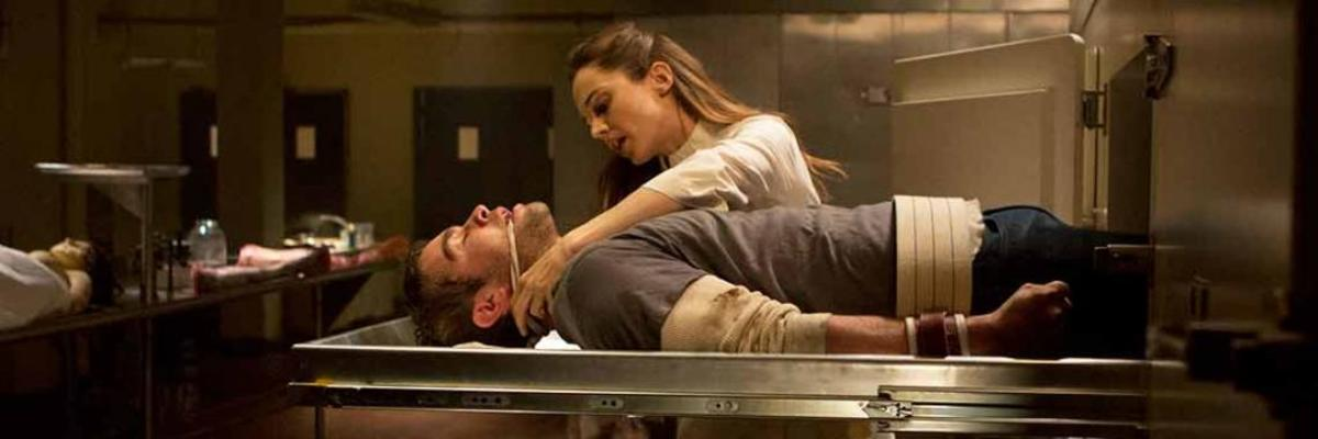 Jacob phobia is enclosed spaces. Here he is inside a morgue drawer. Why is he gagged? Why? So he doesn't wake the dead of course *boom-tish* #Eloise #ChaceCrawford #ElizaDushku