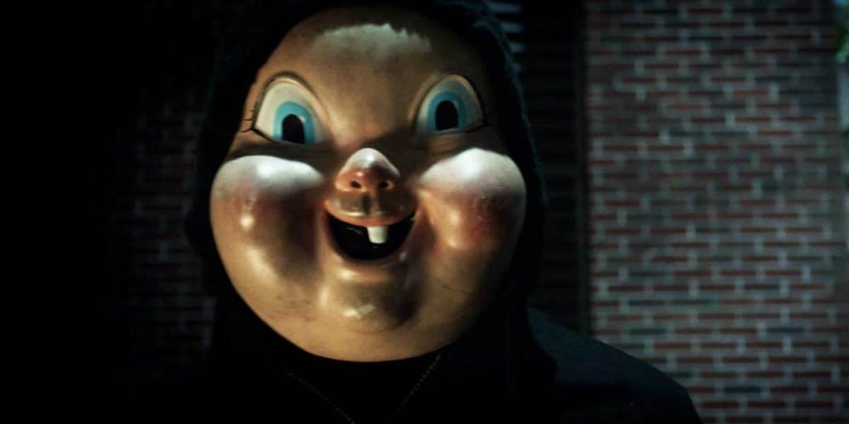 That school has one creepy mascot!!! O.O