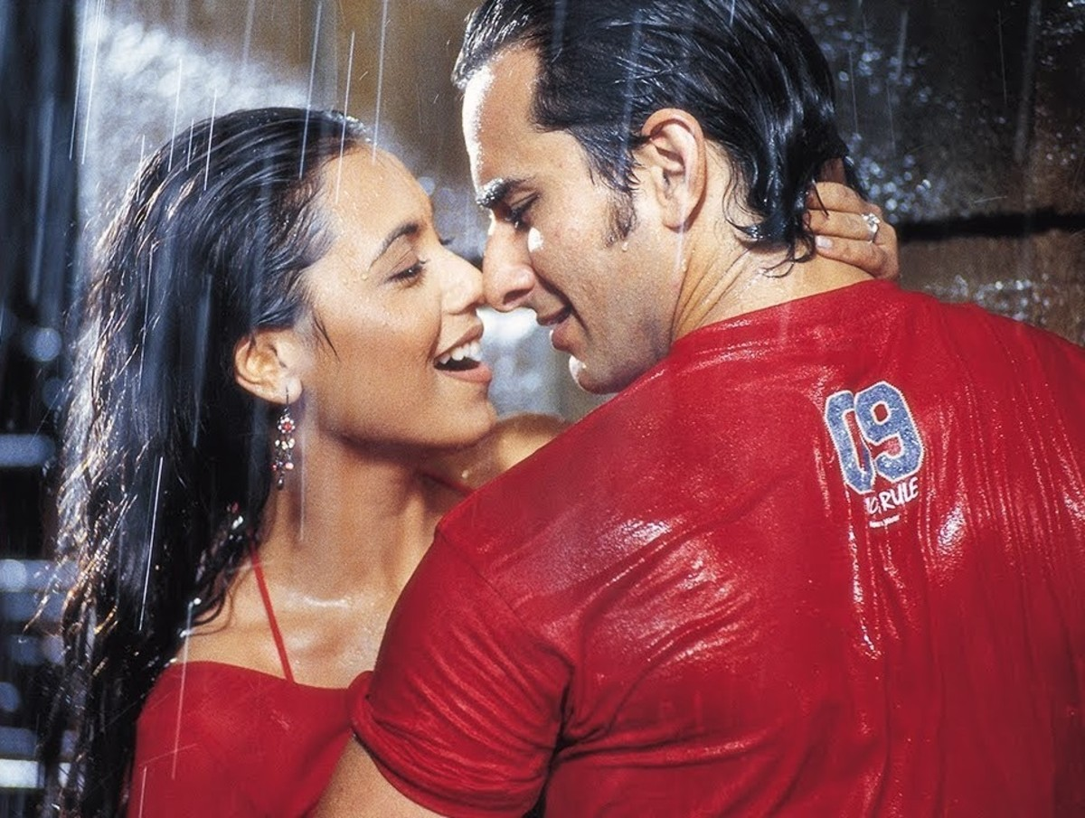 Hum Tum (Me and You) - 2004 | Top 20 Best Bollywood Hindi Movies
