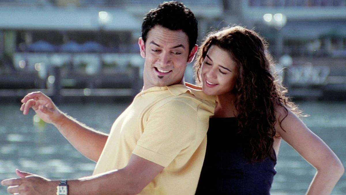 Dil Chahta Hai (What the heart wants) - 2001 | Top 20 Best Bollywood Hindi Movies