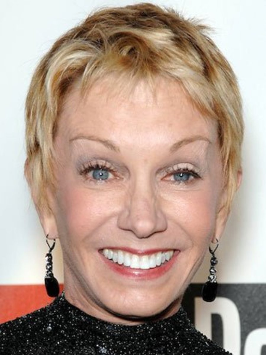 Sandy Duncan can see out of only her right eye.