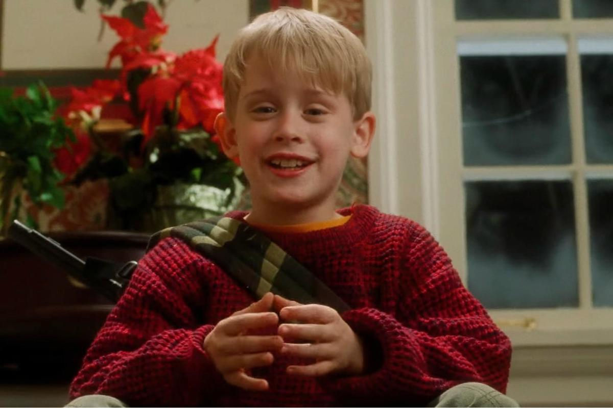 Macaulay Culkin as Kevin.