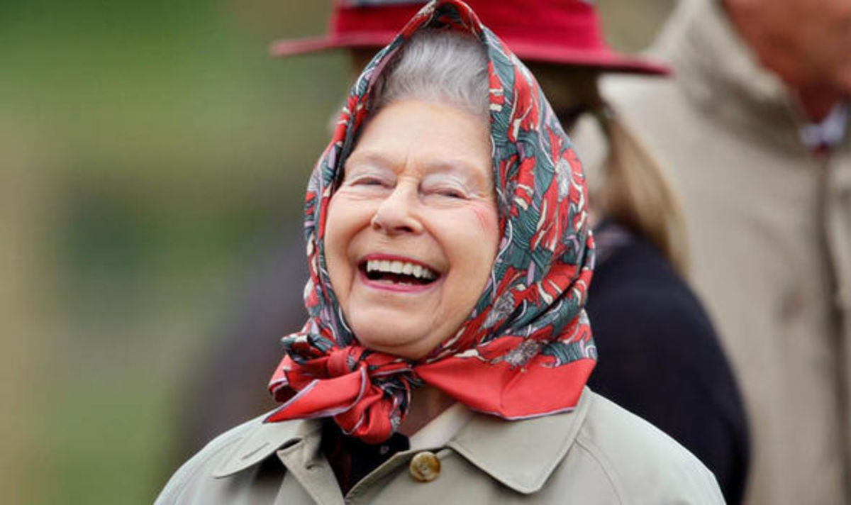 queen-elizabeth-fun-facts-about-her-wardrobe
