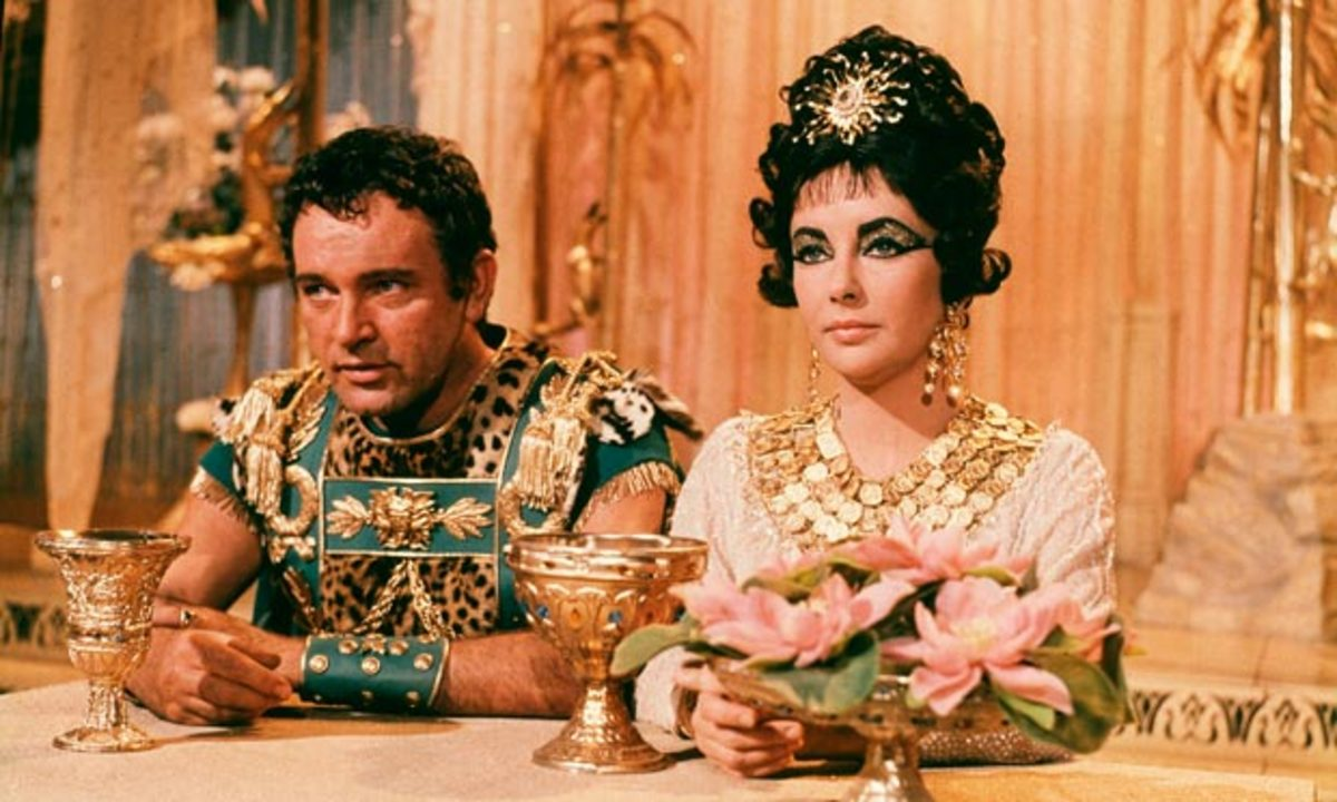 Richard Burton and Elizabeth Taylor in Cleopatra.