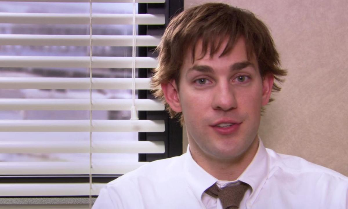 John Krasinski as Jim Halpert in Season 1 of The Office.