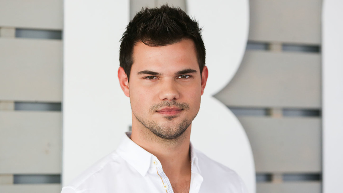 And Taylor Lautner now!