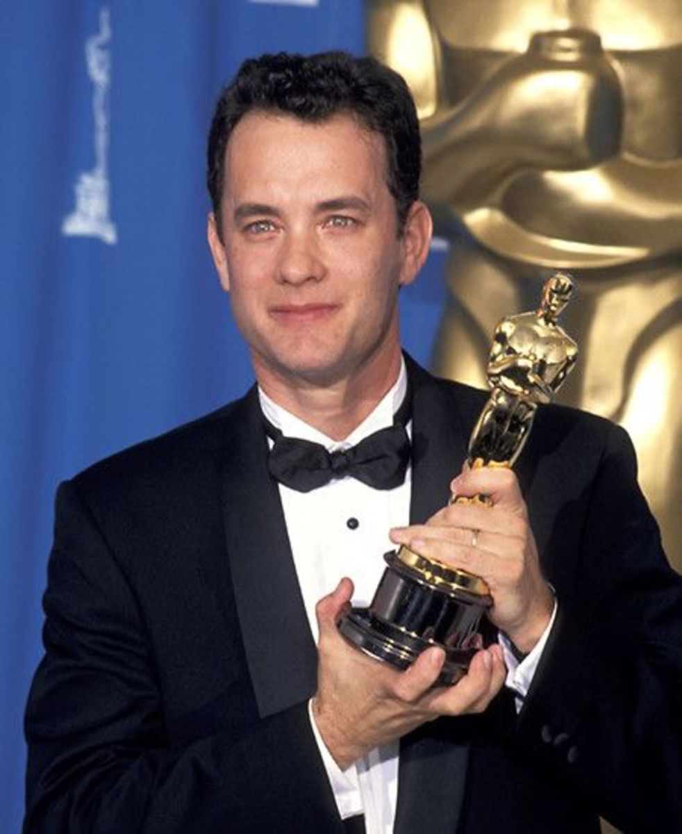 Tom Hanks with his Oscar for Best Actor.