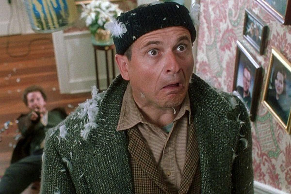 Joe Pesci as Harry in Home Alone.