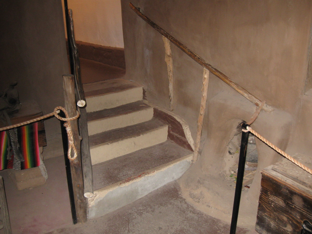 Stairs to next room in Santa Fe's Casa Vieja de Analco