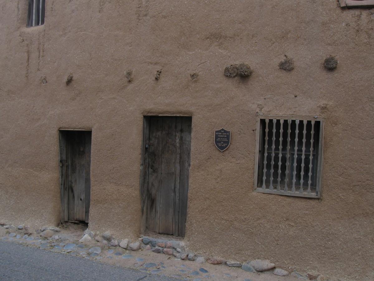 Exterior View of Santa Fe's Casa Vieja de Analco