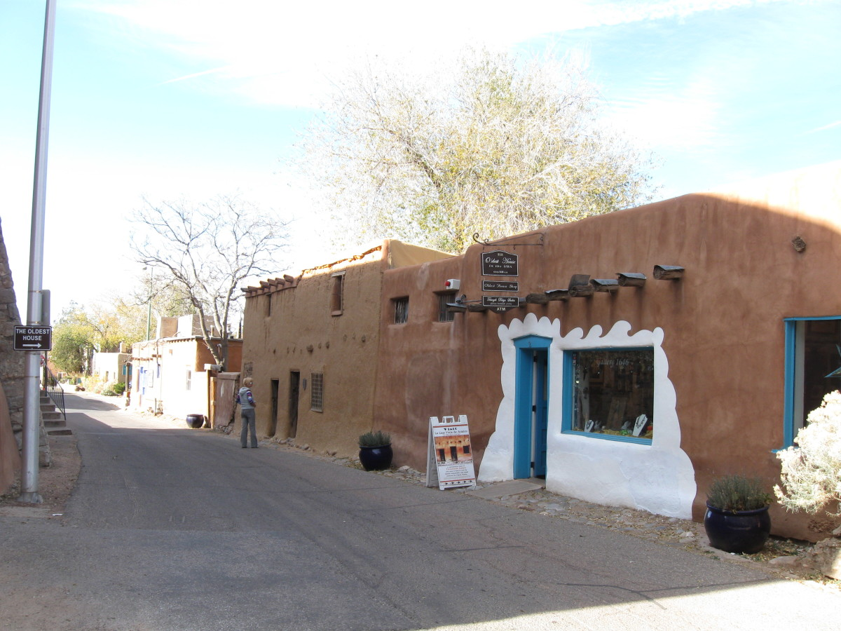 The Oldest House in America - Santa Fe's Casa Vieja de Analco