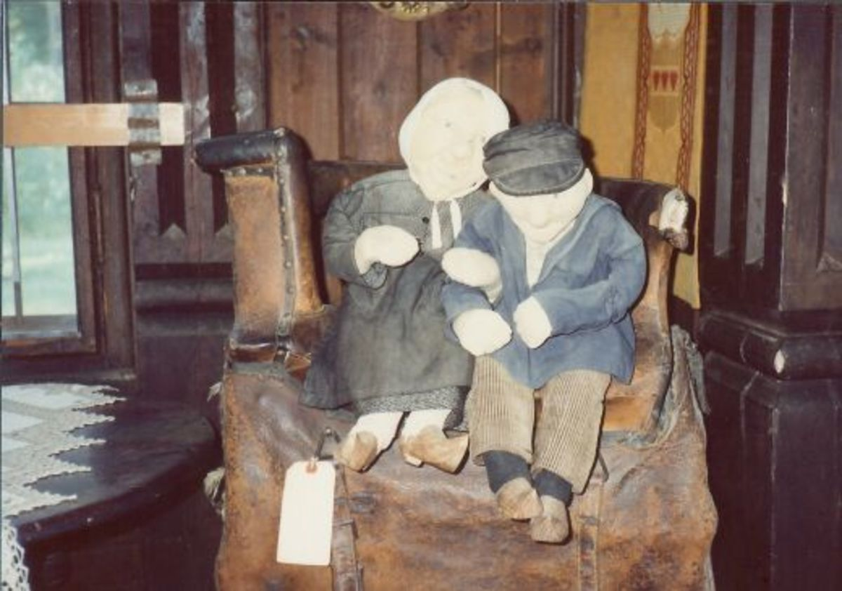 These old Grandpa & Grandma cloth dolls date back to the 1800s. On display at Little Norway