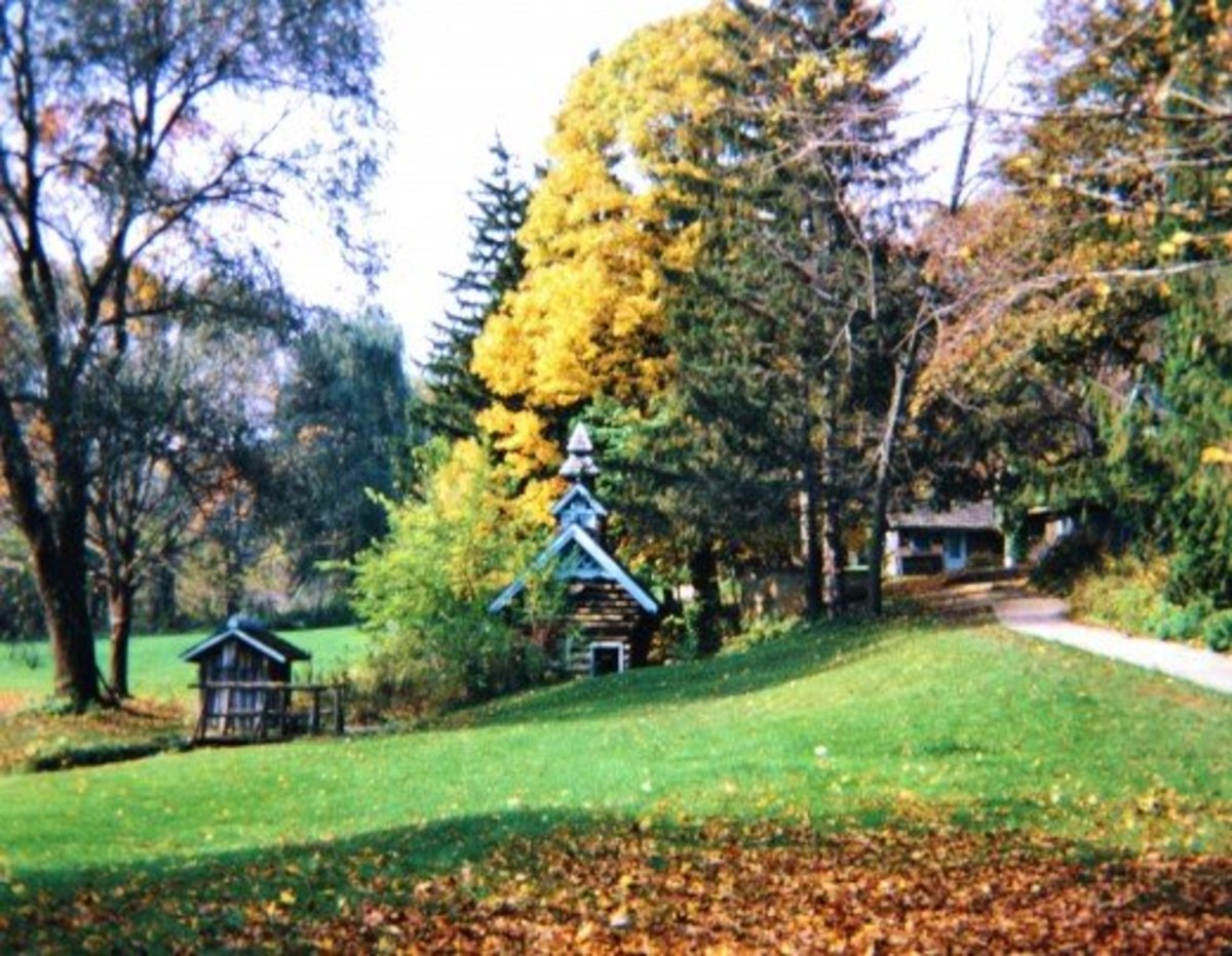 Little Norway grounds in the fall season of year.