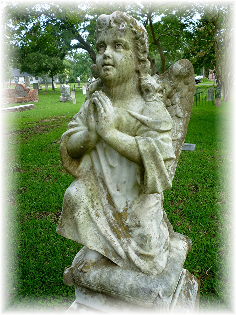 Angel monument in Calvert Cemetery