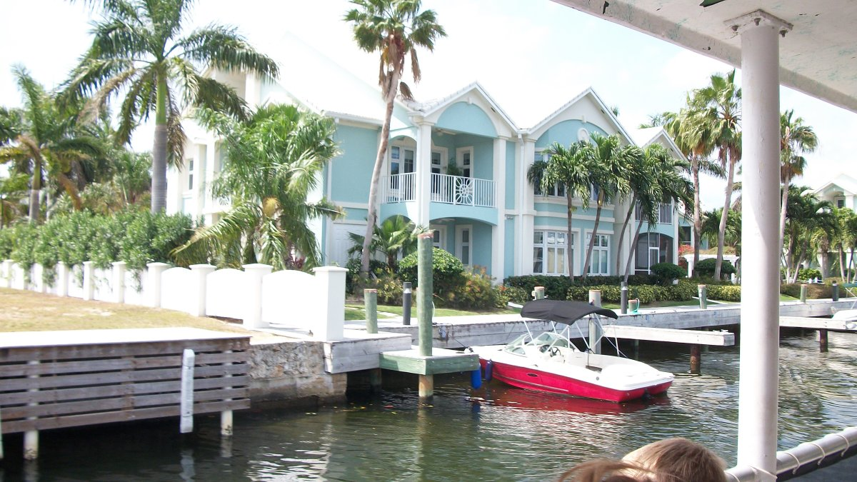 A $7,500 a month condo for rent in Grand Cayman