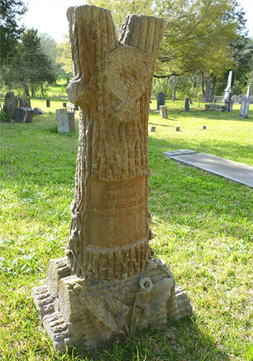 Woodmen monument @ Masonic Cemetery / Chappell Hill, TX