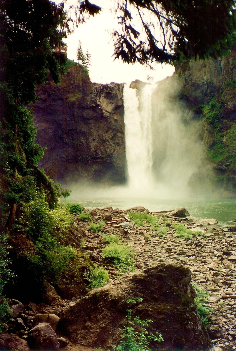 Snoqualmie Falls as viewed from the bottom of the trail