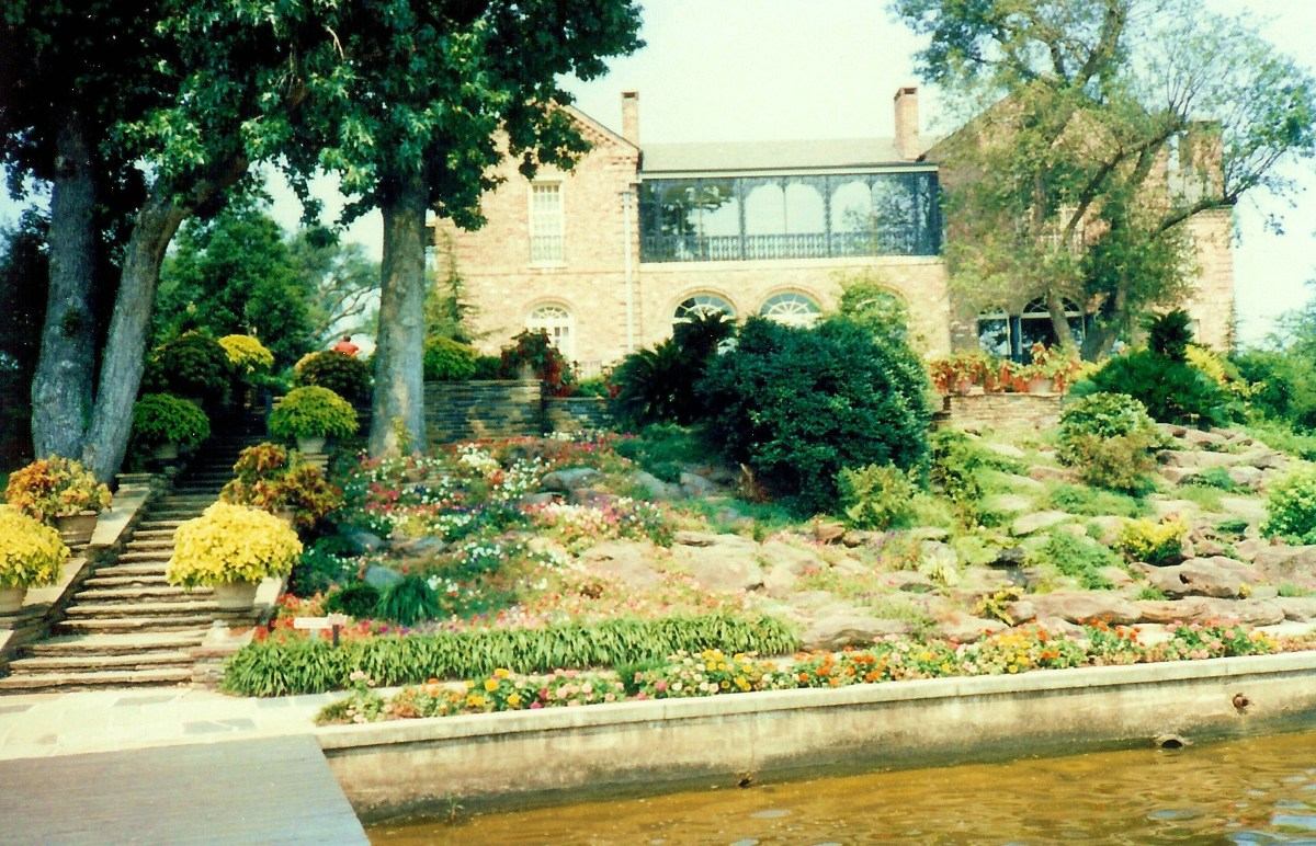 Bellingrath home as viewed from the waterfront
