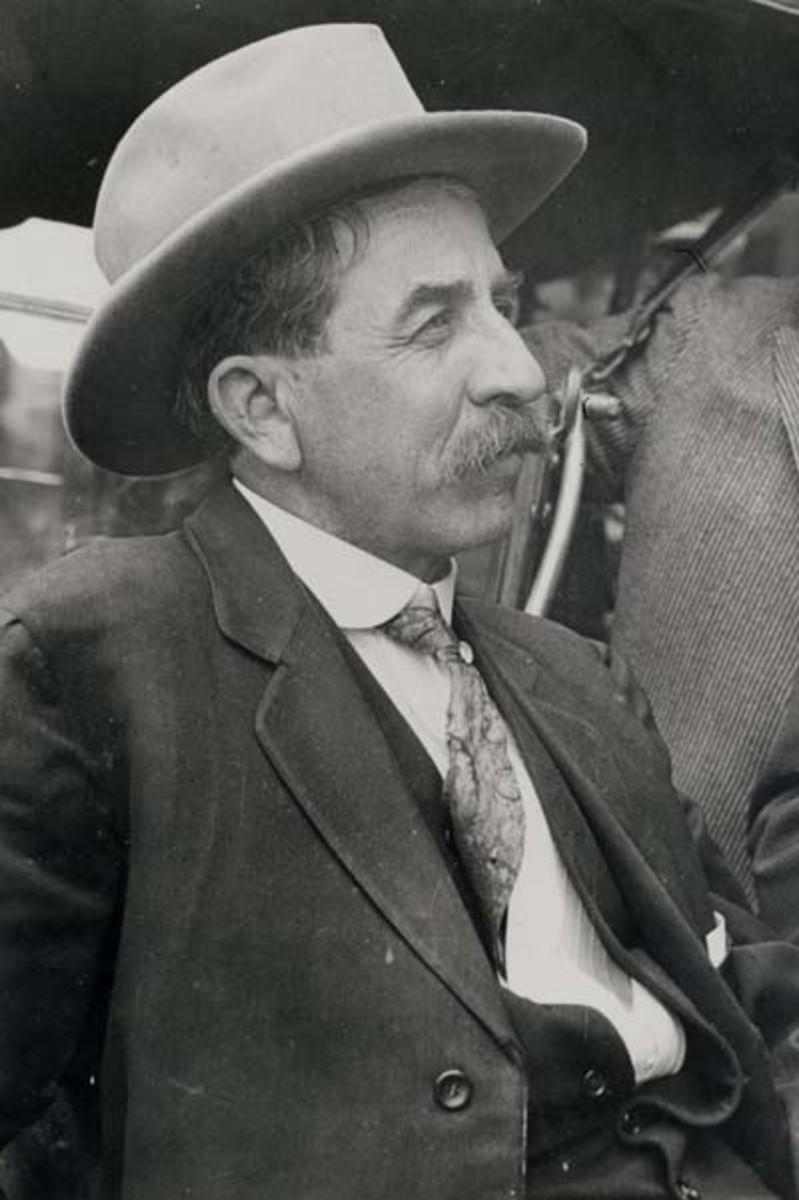 Governor William H. Alfalfa Bill Murray