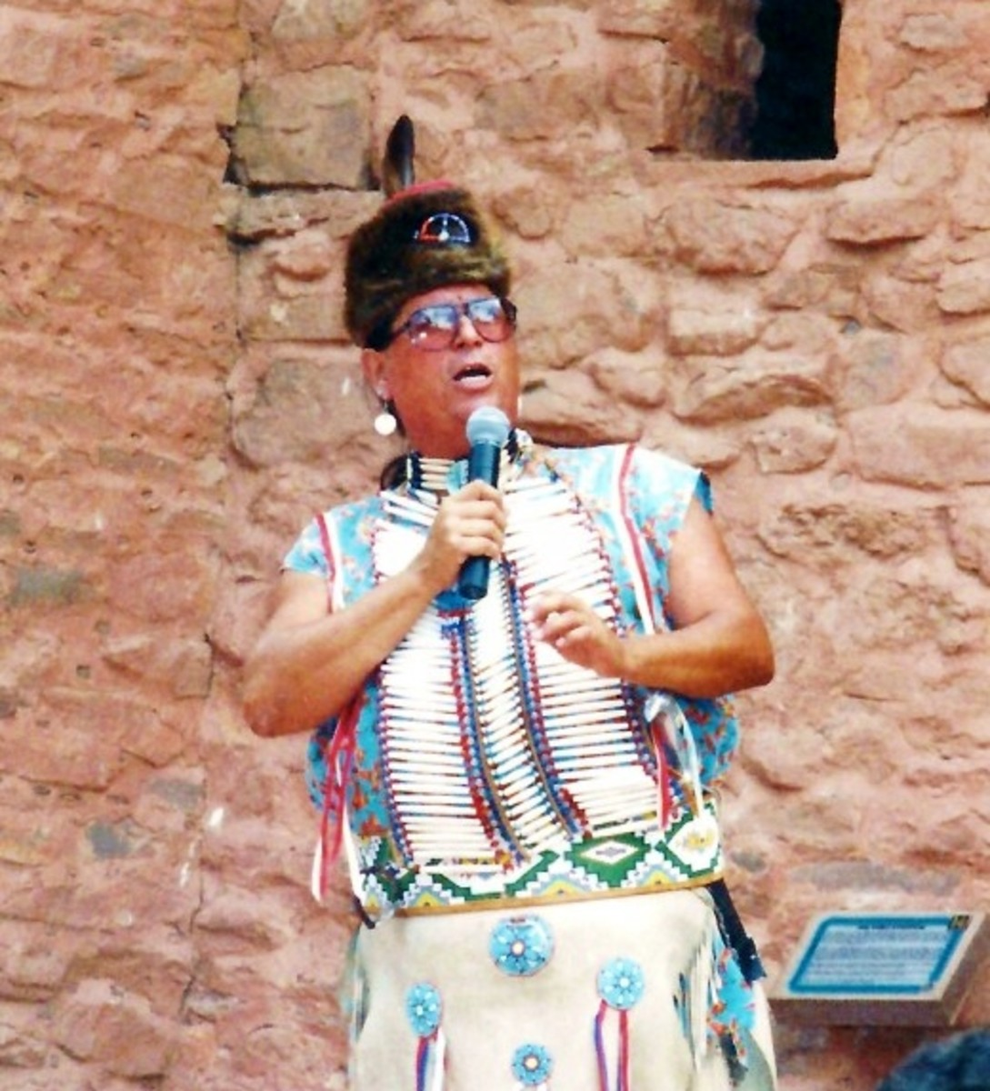 Native American explaining the differences between the dances