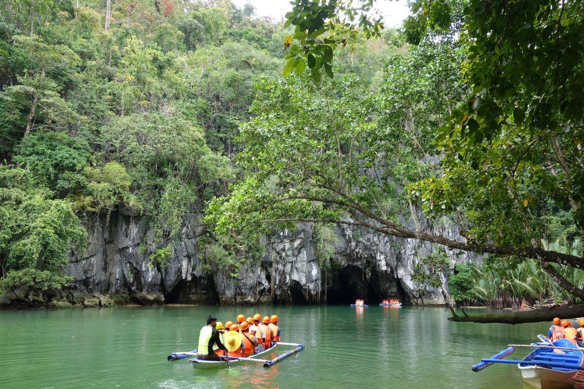 A glimpse of an opening to the Underground River in Puerto Princesa.