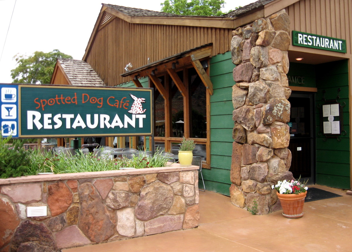 Spotted Dog Cafe, located just outside the park, has Western-style gourmet food.