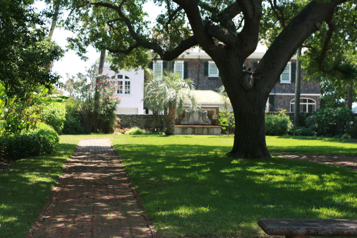 The Colonial Garden at the Oldest House Museum Complex.