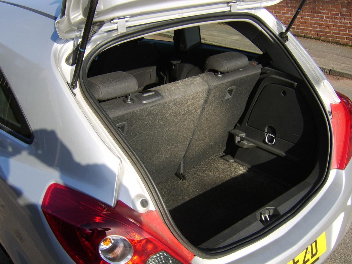 Car trunk in USA - car boot in Scotland