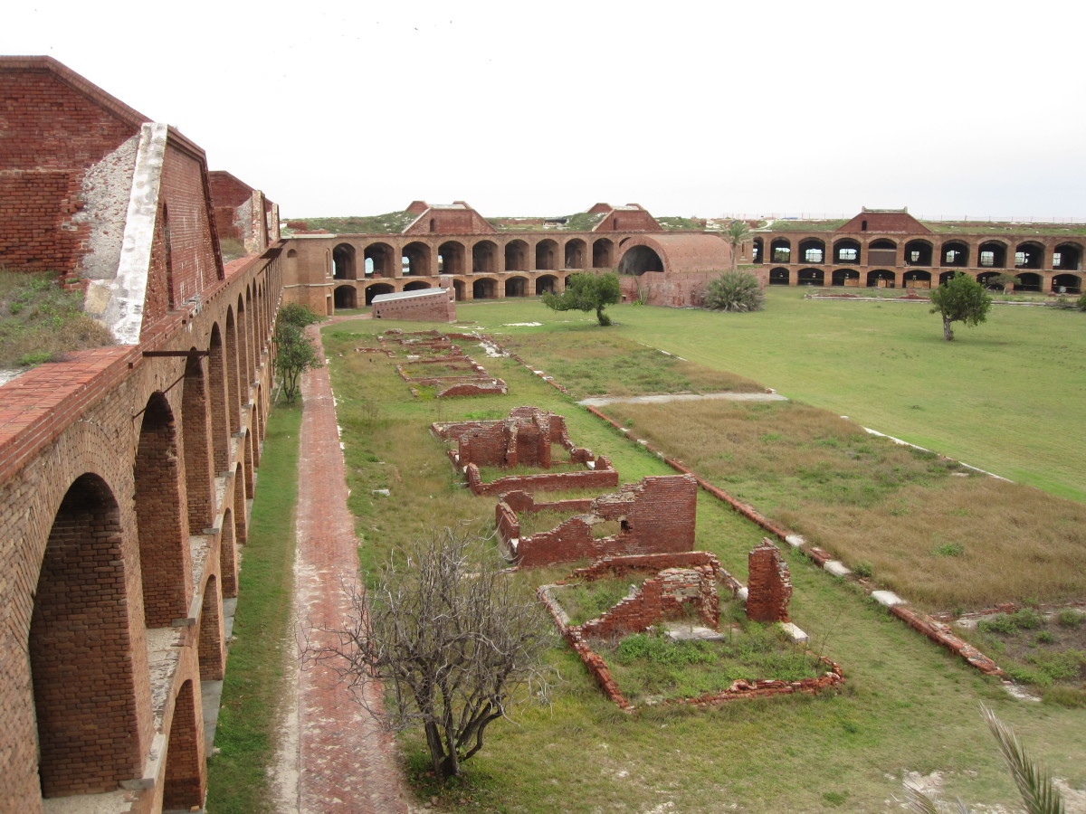 Ruins of the officers' barracks (right) and kitchens