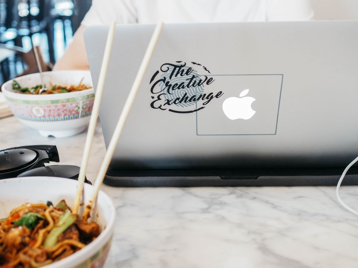 Many Americans take their lunch breaks at their desks and continue to work while they eat.