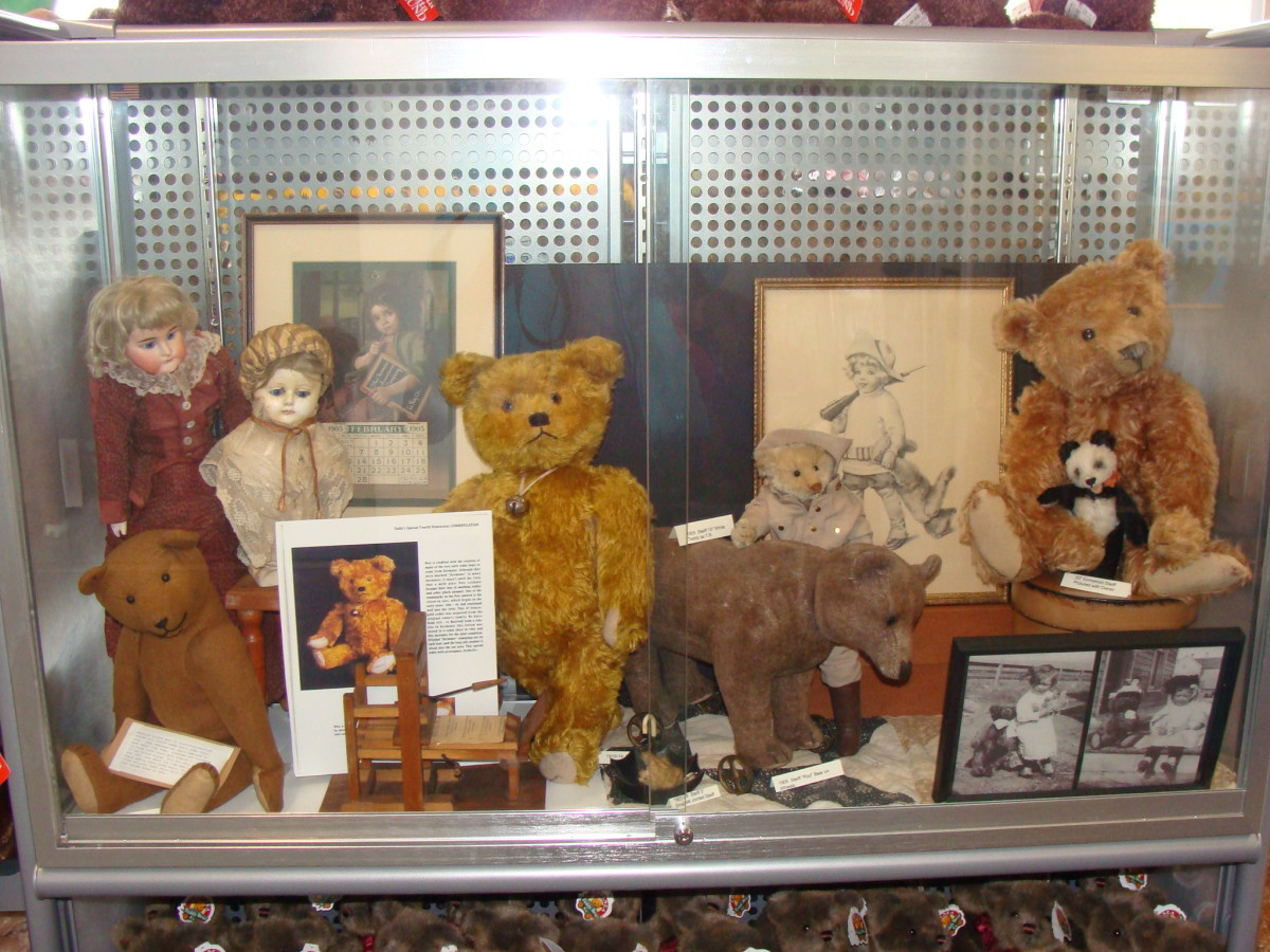 Examples of original teddy bears.
