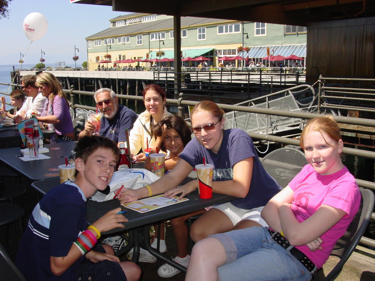 Lunch on the waterfront near the Aquarium