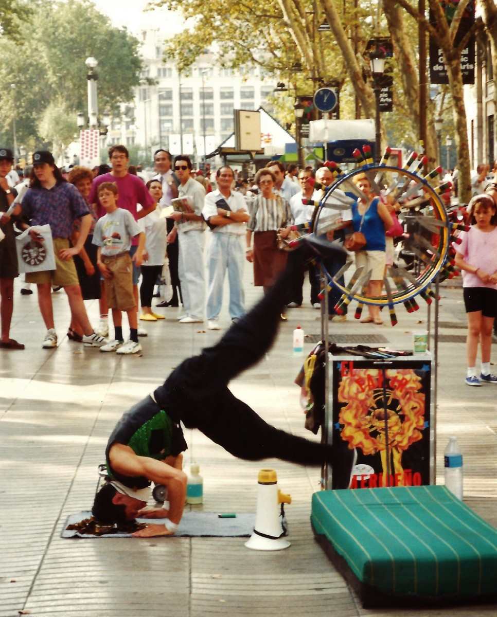 What to See in Barcelona ~ Las Ramblas Street Entertainment and More