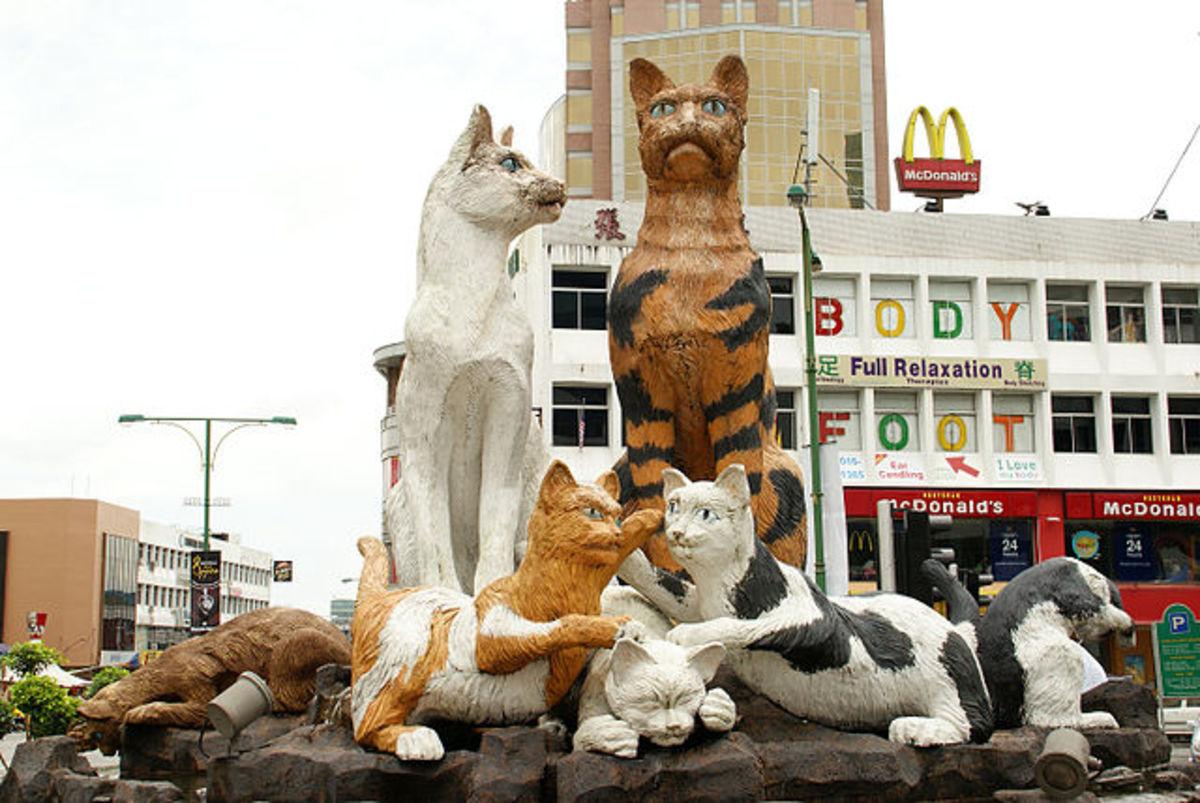 Cat statues on Padungan Road